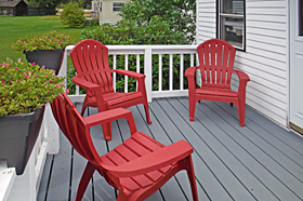 Helen's Place Deck Seating - Scenic View Campground