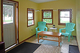 Helen's Place Enclosed Porch - Scenic View Campground